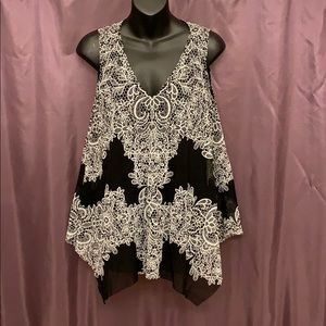 Patterned Black & White Layered Sleeveless Blouse